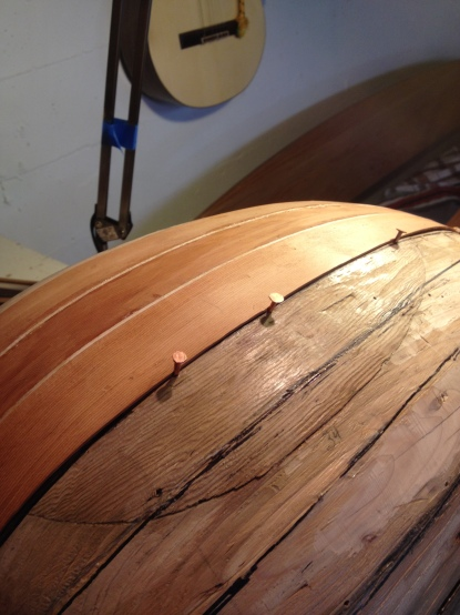 Fitting lute ribs together
