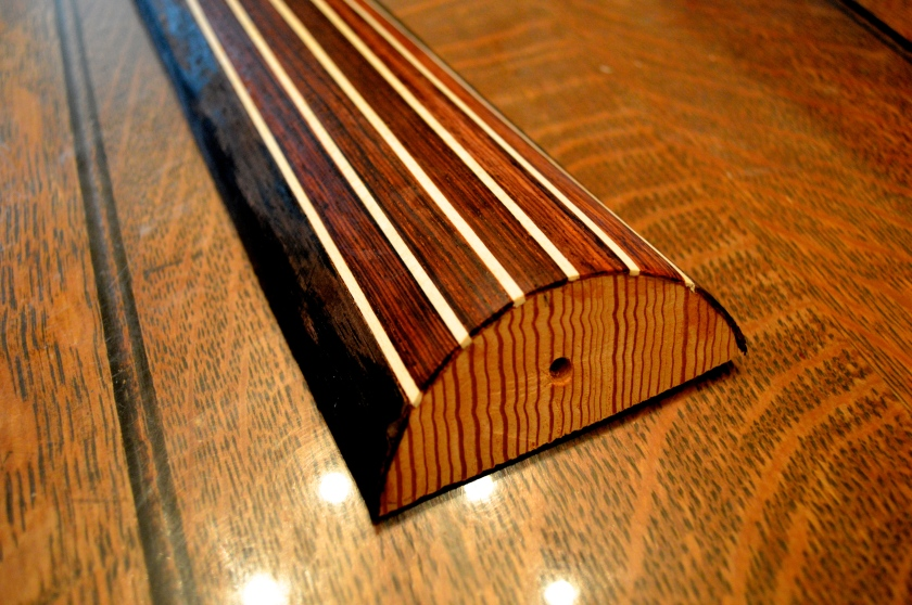 Lute Neck